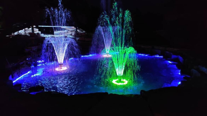 Освещение и подсветка пруда